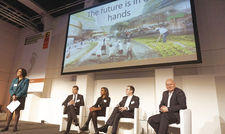 Expertenrunde bei der ITB Berlin: (von links) Professor Carlos Martin-Rios, Jennifer Mulinde-Schmid, Thomas Goval und Olaf Koch.