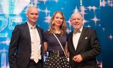 """Feiern zusammen: OB Dirk Elkemann, """"Palatinchen"""" Lara Hillebrand und Direktor Klaus Michael Schindlmeier."""
