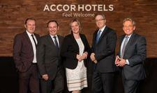 Das neue Accorhotels Management-Team für Zentraleuropa und Deutschland: (v.l.) Fabien Valentin, Jean-Jacques Dessors, Daniela Schade, Laurent Picheral, Volkmar Pfaff