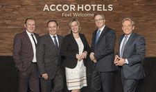 Das Führungsteam für Europa: (von links) Fabien Valentin, Jean-Jacques Dessors, Daniela Schade, Laurent Picheral und Volkmar Pfaff.