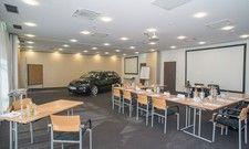 Mehr Pepp für Tagungen: In Hünfeld können nun auch Autos in die Meetingräume fahren