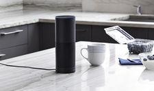 """Sprach-Bot mit vielen Facetten: Amazons """"Echo"""" übernimmt mithilfe von Alexa Erinnerungen genauso wie Essensbestellung via Lieferando."""