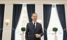 Guter Dinge: Direktor Karsten Kenneweg in den renovierten Räumen des Hotels.