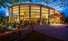 Ausgefallene Architektur: Das Sheraton Offenbach ist schon von außen ein Blickfang