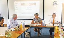 Pressekonferenz in Erfurt: Gudrun Münnich (Mitte) und Dirk Ellinger (rechts) vom DEHOGA Thüringen informierten über die Lage im Gastgewerbe.