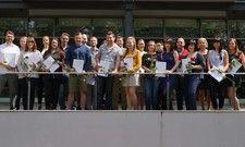 Startklar für Management oder Selbstständigkeit: Die Hotelbetriebswirt-Absolventen der SRH Hotel-Akademie Dresden
