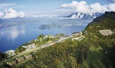 Hotellerie mit Panoramablick: Das Bürgenstock Resort erstreckt sich über einen Kilometer weit.