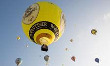 Hoch hinaus: Mit etwas Glück absolvieren Sie bei der diesjährigen Warsteiner Montgolfiade vielleicht Ihren ersten Ballonflug.