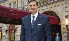 Matthias Al-Amiry: Entscheidend ist im Adlon die persönliche Betreuung der Gäste. Alle wollen und sollen gesehen werden.
