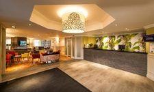 Neu im Portfolio bei Leonardo: Das Glasgow Pond Hotel, hier Lounge und Rezeption