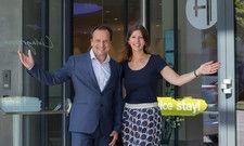 Neustart in Wien: Arcotel-Vorstand Martin Lachout Hotel Managerin Jenny Krumme öffnen die Türen des neuen Arcotel Donauzentrum