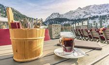 Winterlicher Arbeitsplatz: Für motivierte Saisonkräfte gibt es in der Alpenregion viele Jobmöglichkeiten.