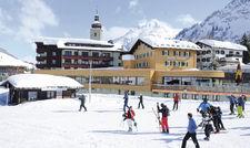 Direkt im Skigebiet: Das Romantik Hotel Krone in Lech bietet Arbeitsplätze für Saisonjobber.