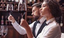 """Wein-Skills für Nachwuchskräfte: Umfangreiche Verkostungen gehören zum """"Botschafter-Programm"""" der Wein-Kooperation Die Gueter"""