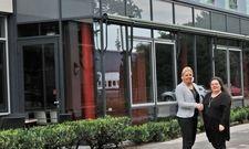 Neue Ibis-Chefinnen in Köln-Deutz:Verena Stucke (links) und Sabine Sarrafan