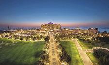 Alles eine Nummer größer: Das Emirates Palace Abu Dhabi ist Holger Schroths derzeitige Homebase.