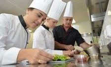 Gehaltsvergleich: Köche arbeiten am unteren Ende der Gehaltsskala