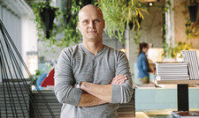 """Grischa Puls: """" Sich eine Wohnung vom Azubi-Gehalt in München oder Hamburg zu finanzieren, ist Utopie."""""""
