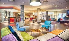 Frisch renoviert: Die Lobby des Leonardo Hotels in Mannheim-Ladenburg
