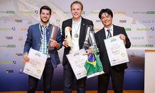 Die besten Biersommeliers: Weltmeister Stephan Hilbrandt (Mitte) mit Felix Schiffner aus Österreich und Rodrigo Sawamura aus Brasilien (r.)