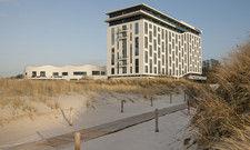 Stillschweigend verkauft: Das A-ja Hotel in Warnemünde gehört seit zwei Jahren Scanhaus-Inhaber Friedemann Kunz.