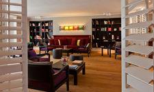 Gemütlich: Die Lobby im Wohnzimmer-Style
