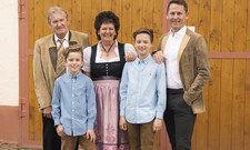 Die Familie: (von links) Seniorchef Josef Mühlbauer, Leo Mühlbauer, Erika Mühlbauer, Max Mühlbauer sowie Eigentümer und Betreiber Thomas Mühlbauer.