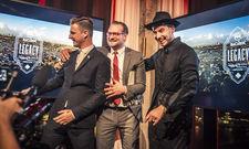 Strahlender Gewinner: Damien Guichard (l.) lässt sich von Bacardis Trade Ambassadors Dennis Wolf und Maxim Kilian feiern.