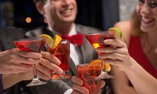 Prost: Airbnb-Reisende lassen sich den Restaurant- und Bar-Besuch gern etwas kosten