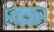 Ein Hotel mit Wow-Effekten: Hier der spektakuläre Pool des Intercontinental Phoenicia Beirut.