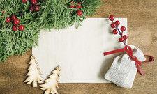 Stimmiger Rahmen: Wenn jetzt noch eine schöne Geschichte in den passenden Worten zu Papier gebracht wird, kommt der Weihnachtsbrief gut an.