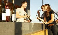 In der Weinbar: Auch hier sind kundige Sommeliers gefragt