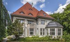 Künfiger Firmensitz: Die Zeeck'sche Villa gehört nun zu Arcona