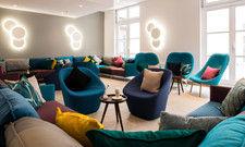 Frisches Design: So empfängt das neue Fleming's Express seine Gäste in der Lounge