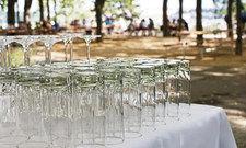 Alles bereit: Doch sind die Gläser für jeden erreichbar?