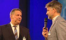 Eröffnen den Deutschen Hotelkongress in Berlin: Der Vorsitzende des Hotelverbands IHA, Otto Linder, (rechts) und AHGZ-Chefredakteur Rolf Westermann