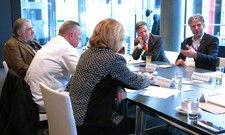 Round Table: (von links) Theo Jost, Jürgen Krenzer, Hildegard Dorn-Petersen, Dieter Wetzel, Björn Grimm. Nicht im Bild: Oliver Firla, Michael Braun, Christoph Aichele