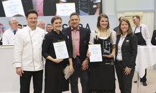 Siegerehrung: (von links) Uwe Staiger, MVG, Köchin Rosina Ostler, Wettbewerbsorganisator Alexander Munz, MVG, Hofa Franziska Lösch und Nicole Domon, Service-Jury.
