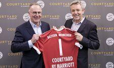 Zwei starke Partner: Karl-Heinz Rummenigge, Vorstandsvorsitzender der FC Bayern München AG, mit John Licence, Vice President Premium and Select Brands bei Marriott International
