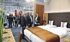 Wohnlich muss das Zimmer sein: Holz, Naturstein und Bio-Textilien werden auch die Einrichtungshallen der Internorga prägen.