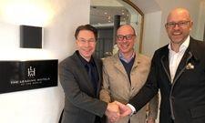 Auf gute Zusammenarbeit: Michael Hönigmann, Christian Harisch und Henning Reichel