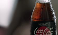 Genuss aus der Glasflasche: Damit wirbt Coca-Cola Deutschland
