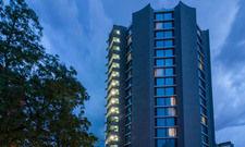 Außenansicht: Die Odyssey Hotel Group führt das New Century Hotel in Frankfurt-Offenbach künftig als Franchisenehmer von Marriott