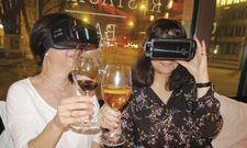 Ein Spaziergang durch den Weinberg: Mit VR-Brille funktioniert das auch am Restauranttisch.