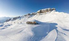 Familienskigebiet mit markantem Gipfel: Am Ifen haben die Oberstdorf Kleinwalsertal Bergbahnen kräftig investiert – in eine neue Seilbahn und in ein ambitioniertes Bergrestaurant