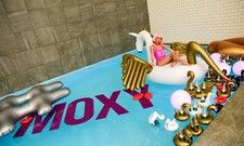 Wet an Wild: So präsentierte sich das Moxy Amsterdam bei seiner Opening-Party