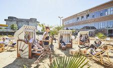 Kombiniert urbanen Lifestyle mit Nachhaltigkeit: Der Karo Beach auf dem Vorplatz der Rindermarkthalle in Hamburg