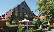 Ländliches Idyll: Die Ole Liese in Gut Panker zählt zu den beliebten Ausflugszielen im Norden. Im Sommer bietet sich der begrünte Außenbereich der Gastronomie für eine Auszeit an.