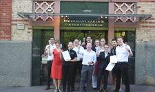 Geschafft: Die erfolgreichen Lehrgangsabsolventen mit IWI-Prüfungsausschussmitglied Britta Giese (vordere Reihe links)