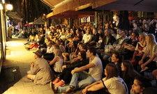 Gemeinsam Fußball schauen: Public Viewing auf der Münchner Leopoldstaße
